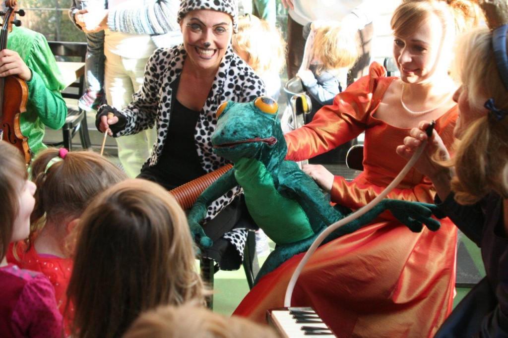 Theater für Kinder Froschkönig Foyer