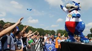 HSV Volksparkstadion Familienfest NDR Maskottchen