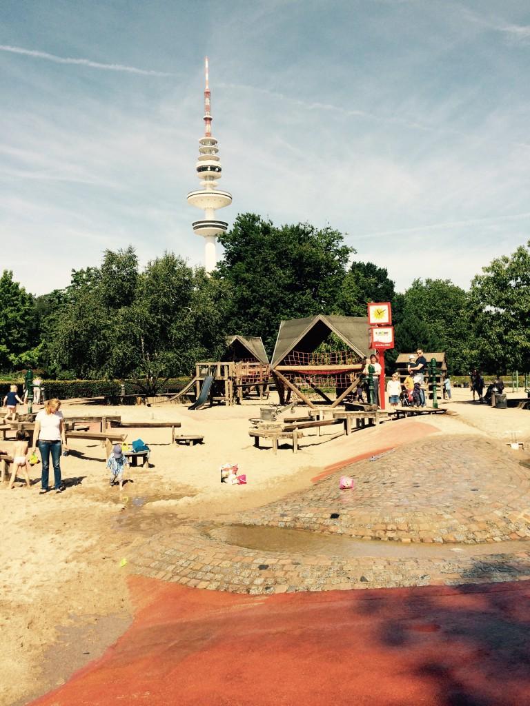 Wasserspielplatz Planten und Blomen Fernsehturm
