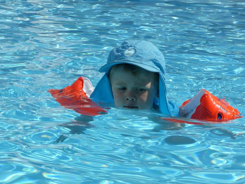 Wichtigste Empfehlung für das Reisen mit Kindern. Nehmt euch in den großen Städten ein Hotel mit Pool. Dann gibt es Vormittags Sightseeing für die Großen und wer brav mitläuft darf Nachmittags in den Pool. Funktioniert!