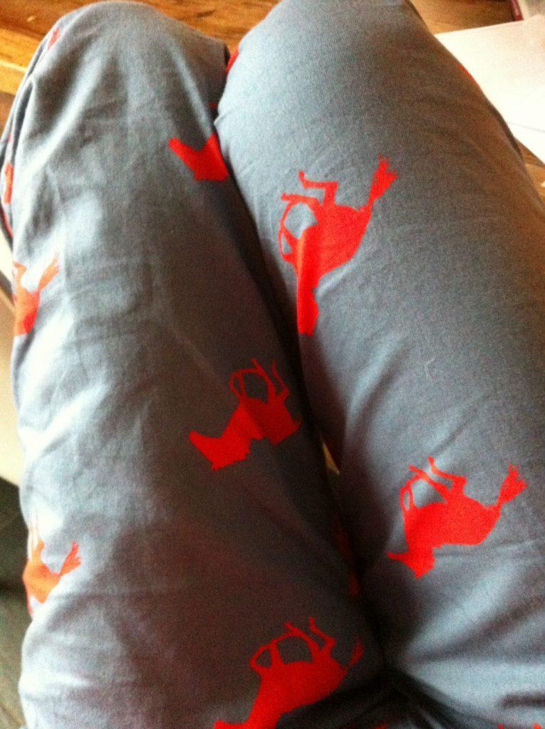 Wer so eine schöne Schlafanzughose trägt, ist gleich viel besser gelaunt