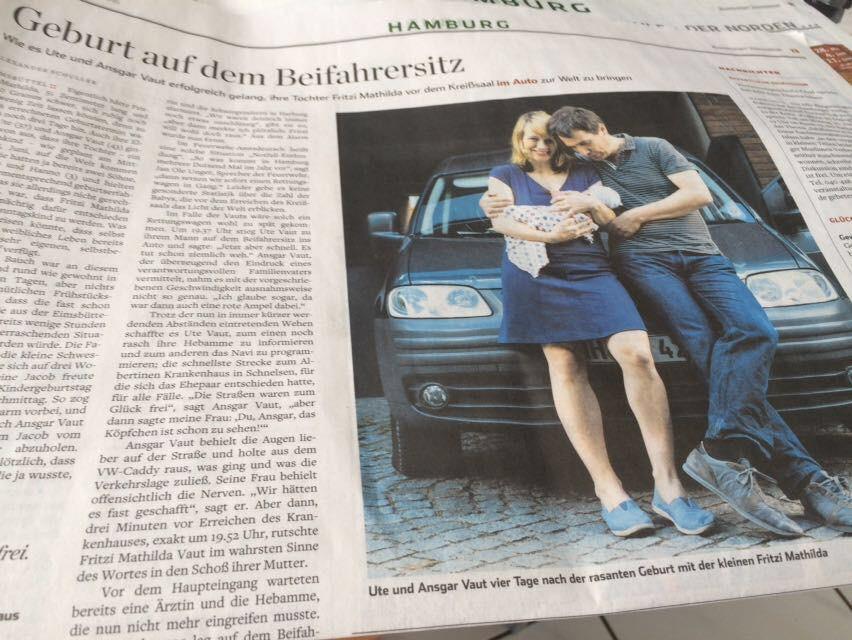 Über unsere Geburtsgeschichte wurde sogar im Hamburger Abendblatt berichtet - geburt auf dem beifharersitz hamburger abnedblatt ut evaut ahoikinder