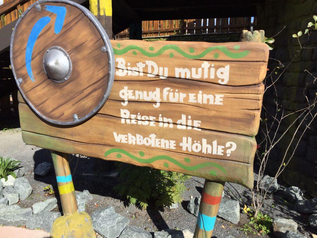 Drachenhöhle Grotte Heidepark Soltau Drachenzähmen