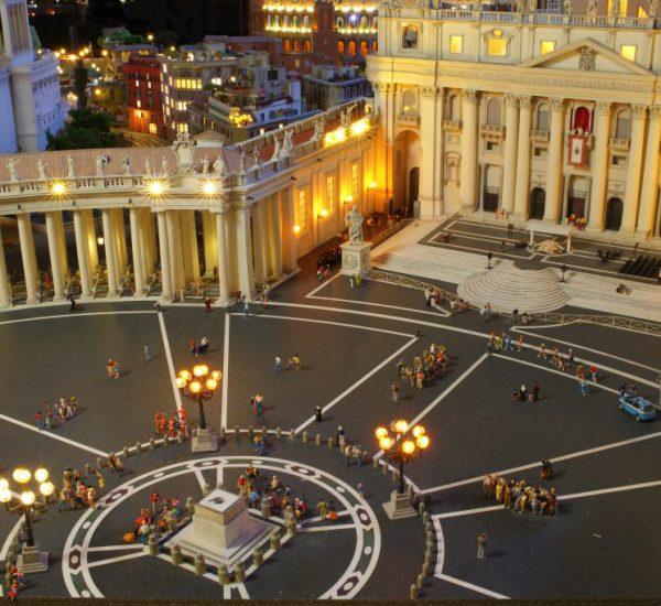 Miniaturwunderland Italien Petersdom Petersplatz