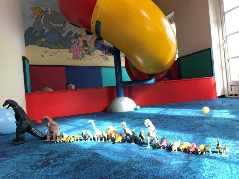 Dorfhotel Fleesensee Kinderclub Dinosaurier