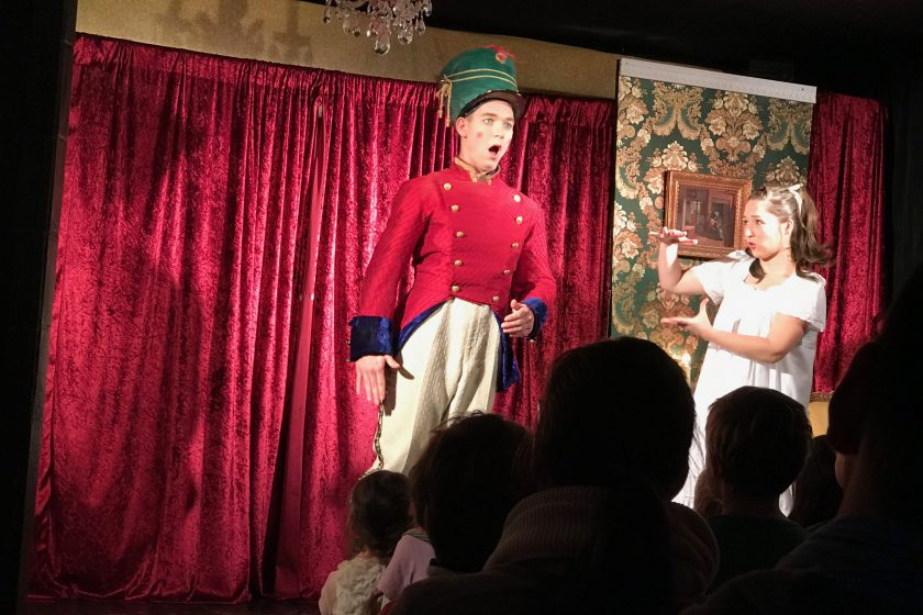 Ottenser Hoftheater Kindertheater Wackelzahn Nussknacker Weihnachtsmärchen Weihnachtstheater Marie