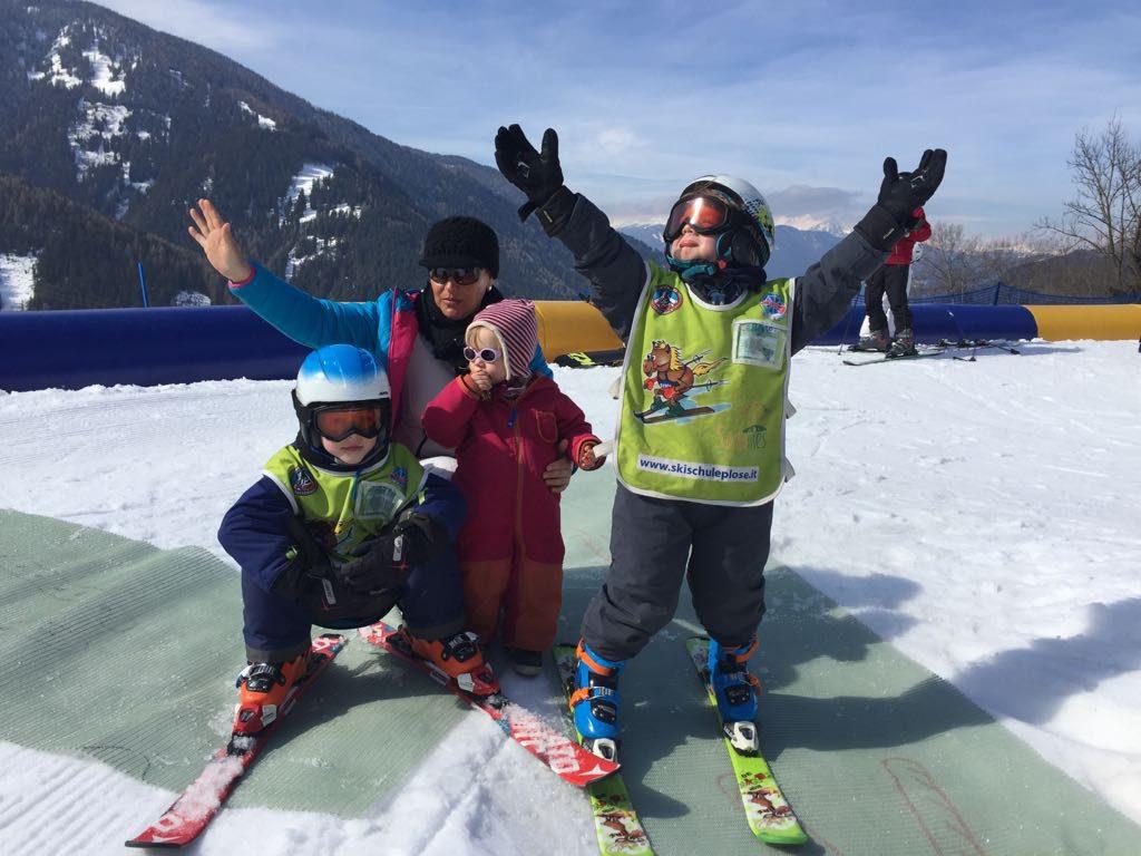 Skifahren mit Kindern Bacherhof in Lüsen Roter Hahn Südtirol Südtiroler Bauernbund