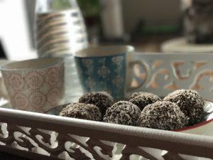 Chokladbollar Schwedische Schokoladenkugeln Gebäck zum Kaffee